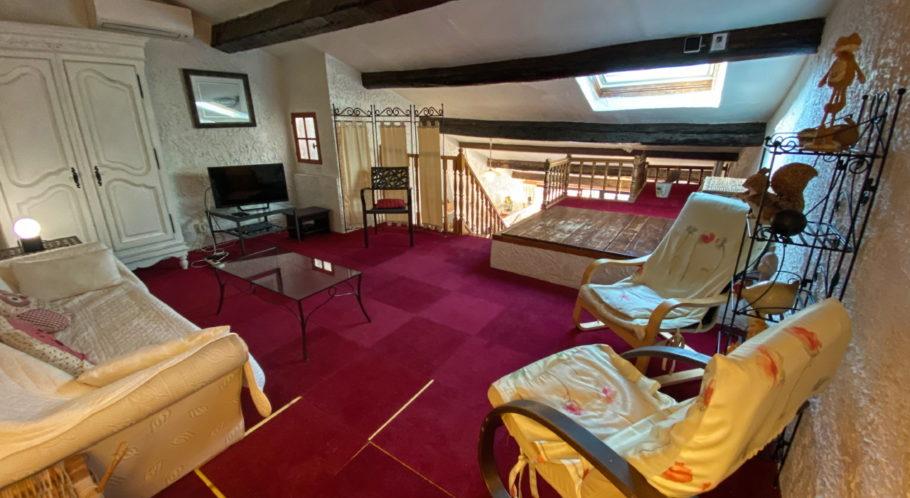 vue du salon situé à l'étage